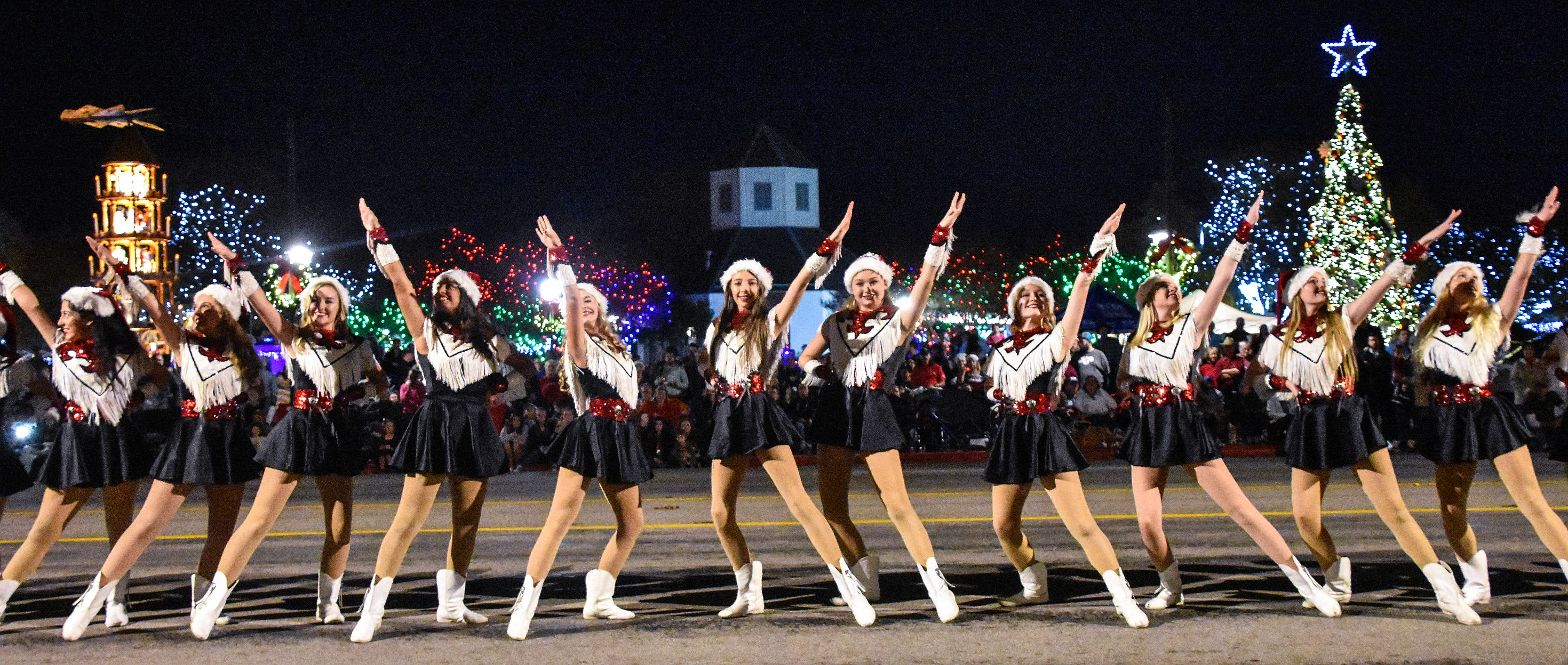 Fredericksburg Tx Christmas Parade 2019 Light The Night Christmas Parade | Fredericksburg Chamber | TX