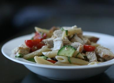 Good Eats: Greek Chicken Pasta Salad