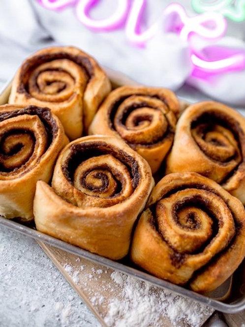 6 Cinnamon Rolls