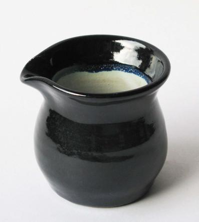 Dark blue and white jug 2.jpg