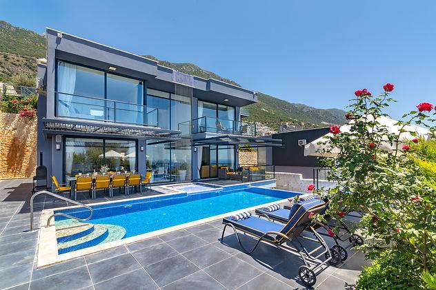 Stunning Modern Design.jpg