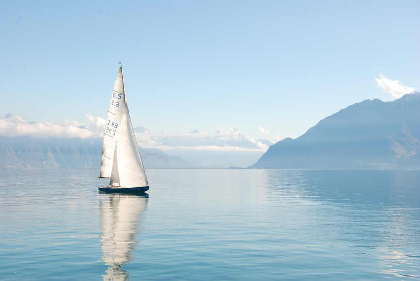 beautiful-boat-daylight-273886.jpg