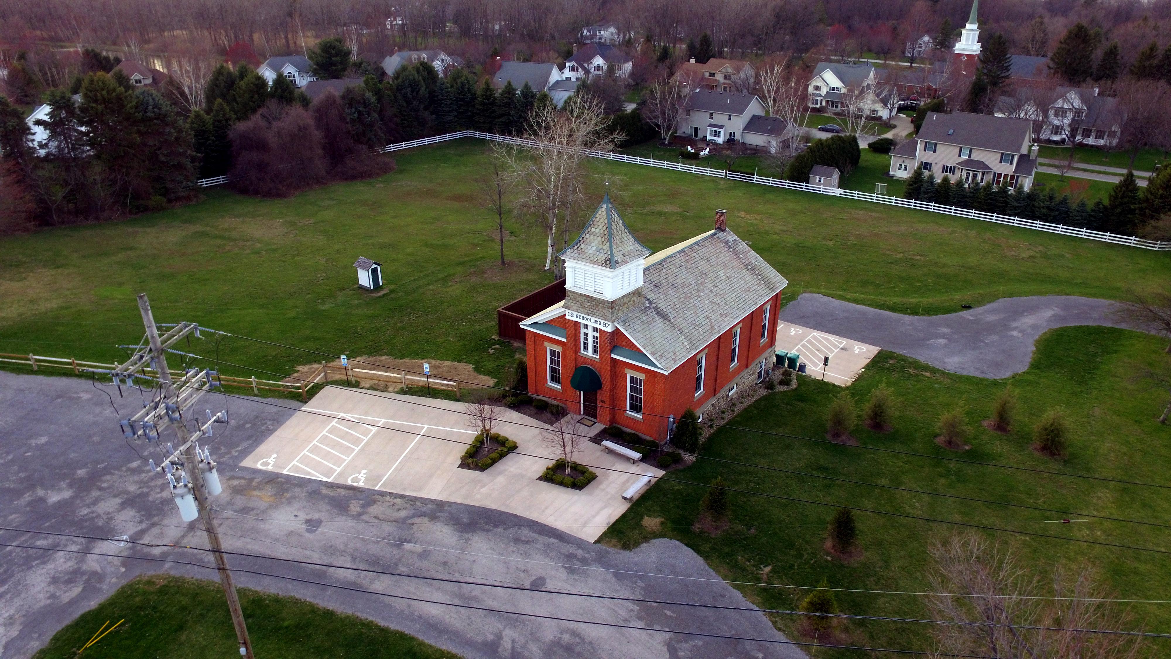 schoolhouse3