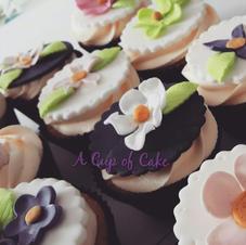 Fondant Flower Large Cupcakes