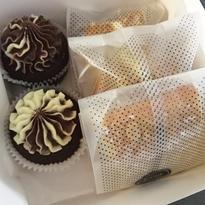 Vegan Treat Box - 5 peices of cakes