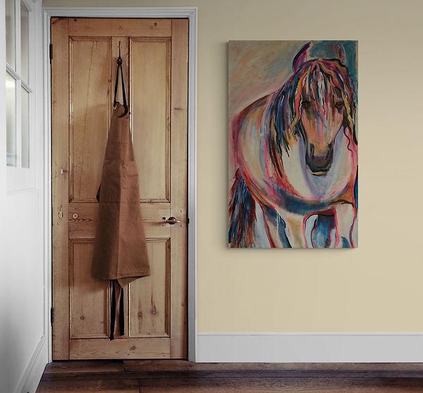 Traditional_Interior_hallway_with_door.j