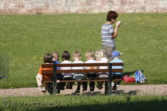 enfants-banc-ismakogie.jpg