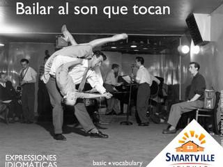 """Como dizer """"Dançar conforme a música"""" em espanhol?"""