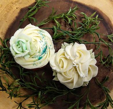 White Wedding Cake (1).jpg