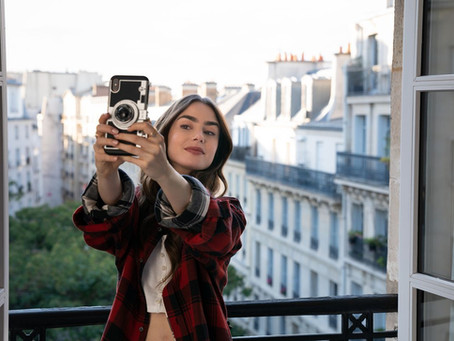 8 times Emily in Paris manages her mind like a pro