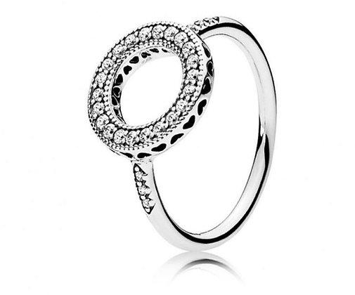 טבעת חישוק משובצת
