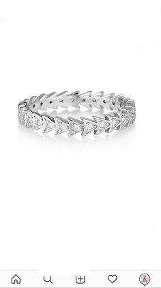 טבעת משולשים צמודים