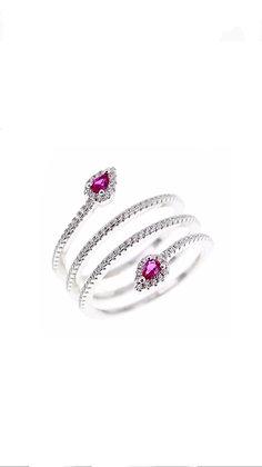 טבעת מתלפפת 4 סיבובים  משובצת אבן ורודה