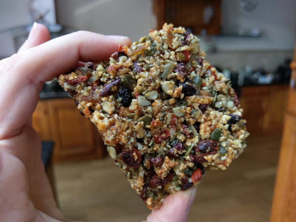 Healthy breakfast bar recipe with goji berries and cacao