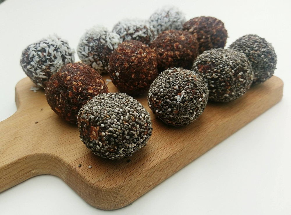Chocolate Energy Balls with Chia Seeds