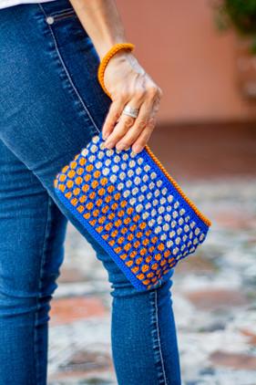 Sobre para dama hecho a mano en tejido crochet.