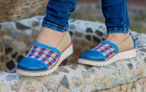 Calzado para dama en cuero y tejido crochet LUCIA AT17