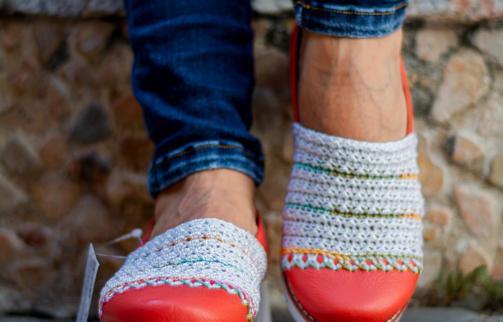 Calzado dama en cuero y tejido crochet SARA ATC5