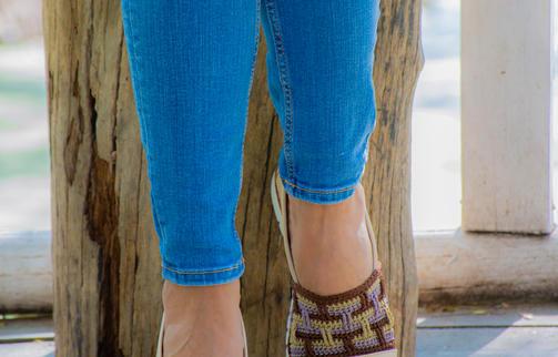 Calzado dama en cuero y tejido crochet VALERIA