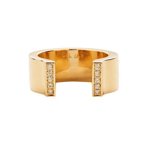 18k yellow gold u-shaped ring set with 0.10 ct champagne-color diamonds, front view