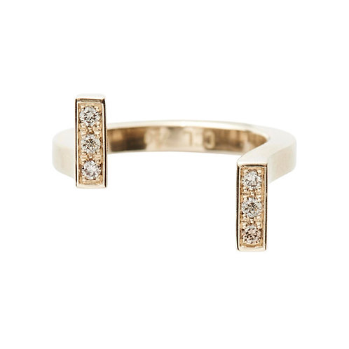 18k yellow gold, u-shaped ring set with 0.06 ct champagne-color diamonds, front view