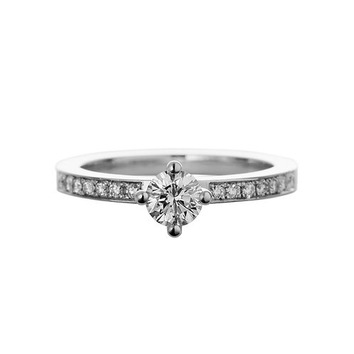 18k white gold solitaire ring with brilliant cut diamond, front view