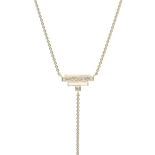 18k yellow gold necklace set with 0.18 ct champagne-color diamonds, chain detail, close up