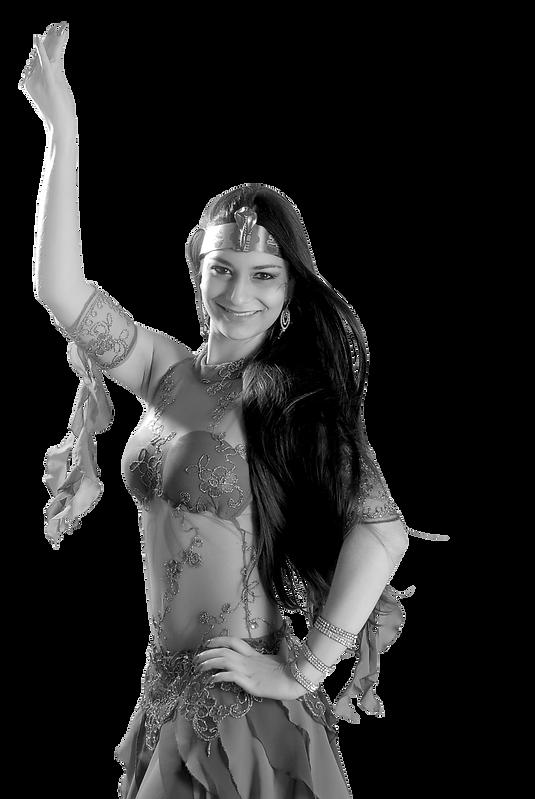 Aline-Mesquita-sorrindo-com-acessorio-eg