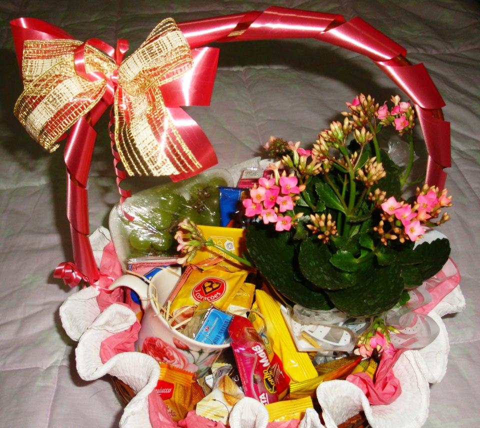 1 vaso de flor 13 itens R$150