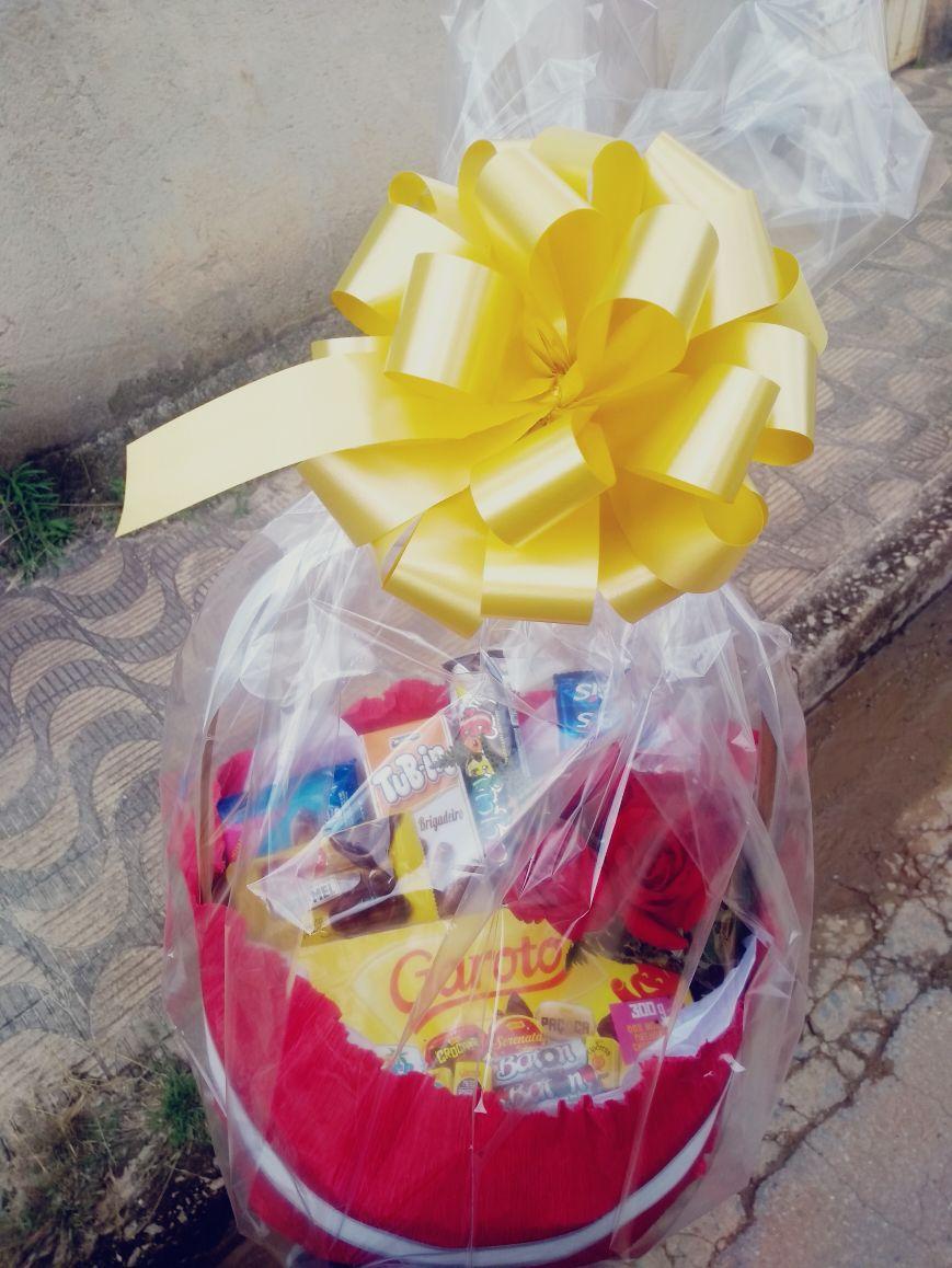Chocolates + 1 rosa R$ 130