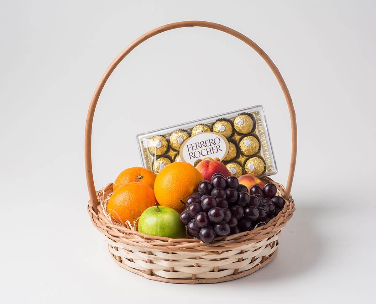 Frutas + Bombons R$ 200