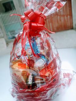 Cesta decorada natal 3 R$ 234