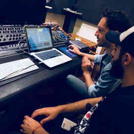 MAD Escuela - Control Room, Ableton Live 10, ProTools, FL Studio, Home Studio
