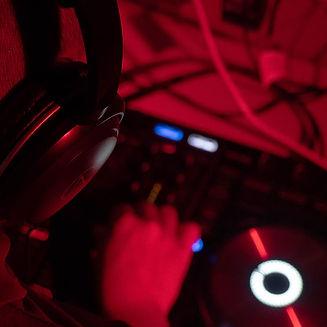 DJ4.jpg