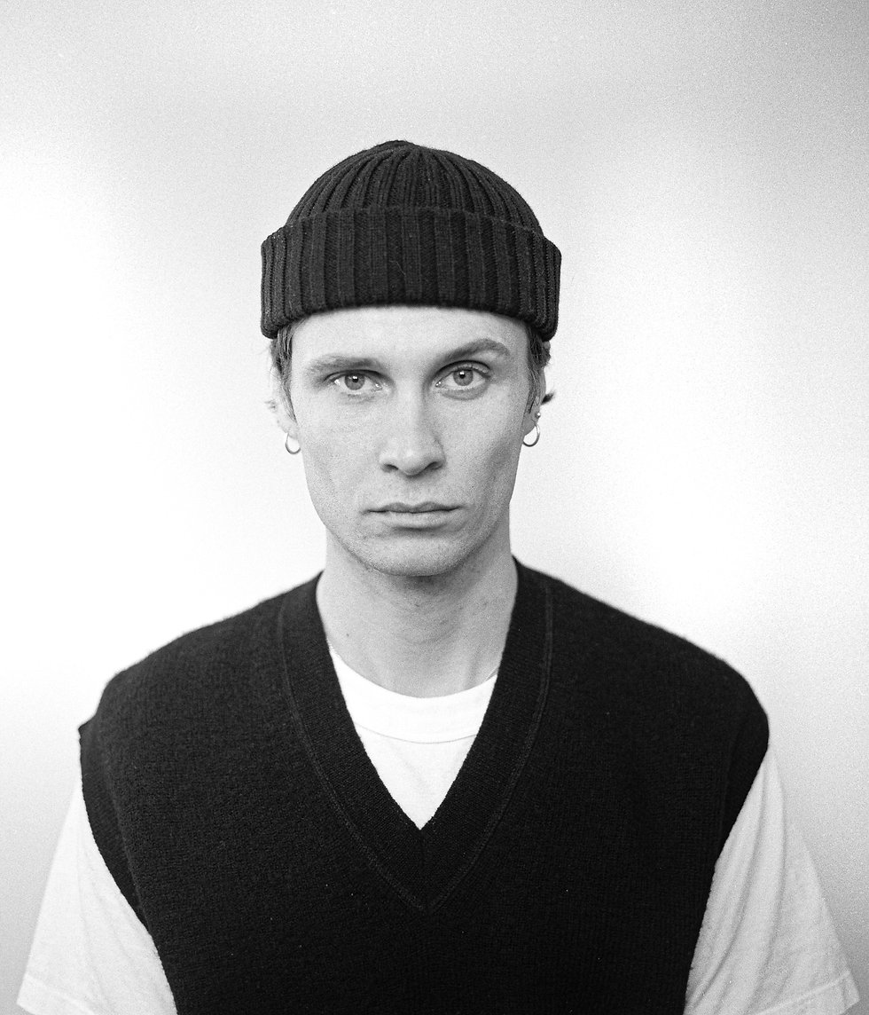 Sam London Portrait Photography. Photo taken by Rob Jones @hirobjones