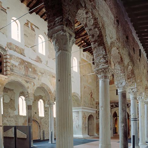 civici musei Bs-S.Salvatore interno.jpg