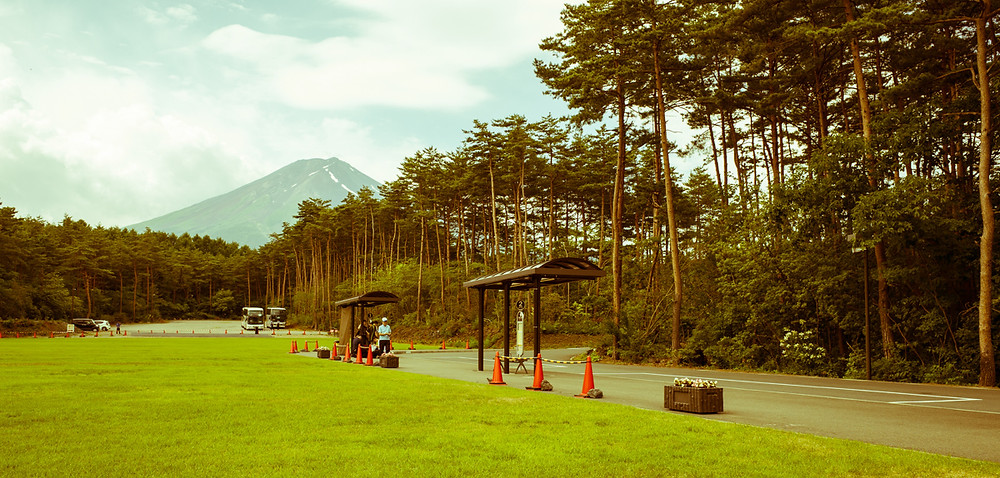 Fuji Hokuroku Parking Area and shuttle bus. Mt Fuji.