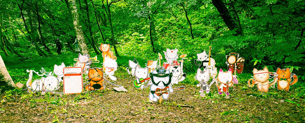 Cats jamming at Fuji Rock Festival.