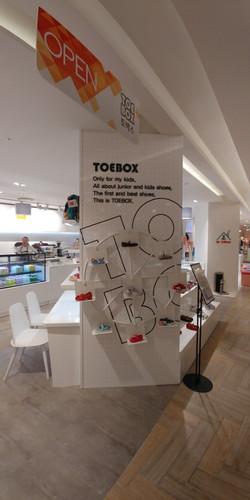 """""""TOE BOX"""""""