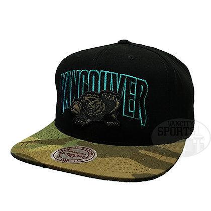 Men's Vancouver Grizzlies Woodland Covert II Mitchell & Ness Black Snapback Hat