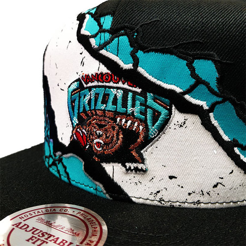 7650353b2a1d0b Men's Vancouver Grizzlies PEELED Mitchell & Ness Black Snapback Hat