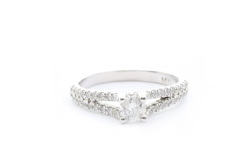 Round-Cut Split-Shank Pave Engagement Ring
