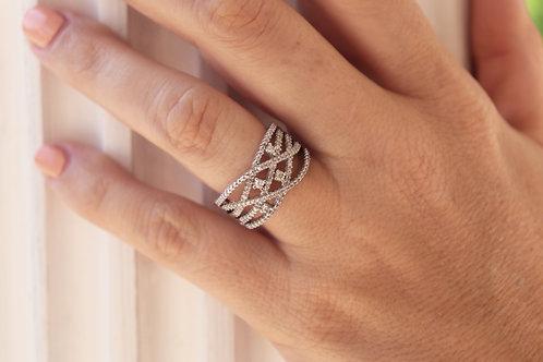 Entwisted Diamond Fashion Ring