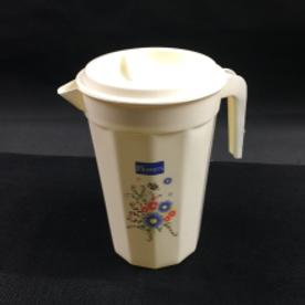 Mug w/ Cups