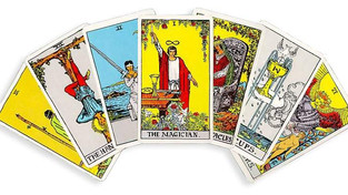 A Skeptic, a Psychic, a $10 Tarot Reading