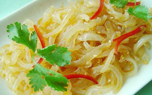凉拌海蜇Seasonal-Jelly-Fish-with-House-Soy-Sauce-★-500x313.jpg
