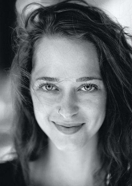 Rivka Rothstein, voice artist, voice over talent, synchron, synchronsprecherin, sprecherin, voice actor, singer, actor,