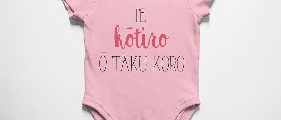 Te kōtiro ō tāku koro (Grandpa's girl)