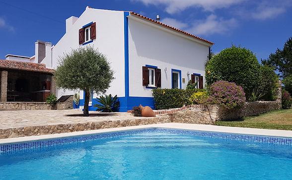 Zwembad Voorgevel Quinta Charlotte.jpg