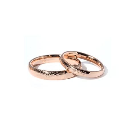 Klasiski laulību gredzeni ar ārējo gravējumu - pāra pirkstu nospiedumiem